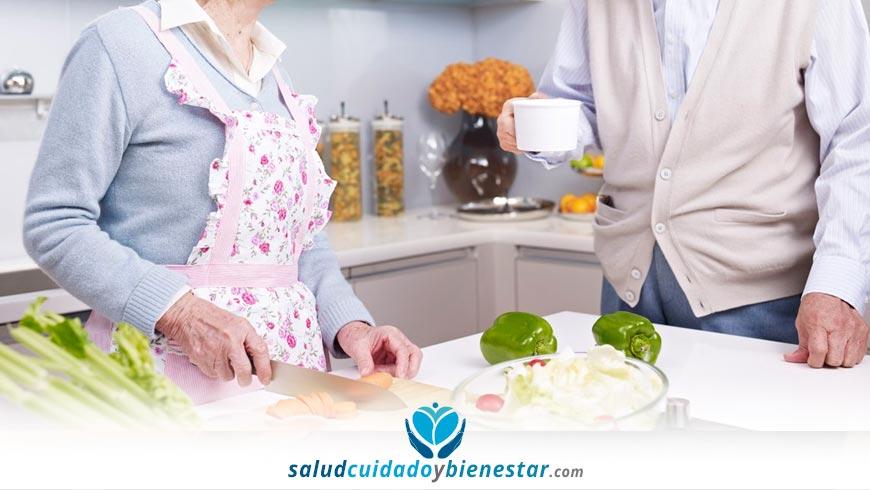 Qué alimentos deben comer las personas mayores