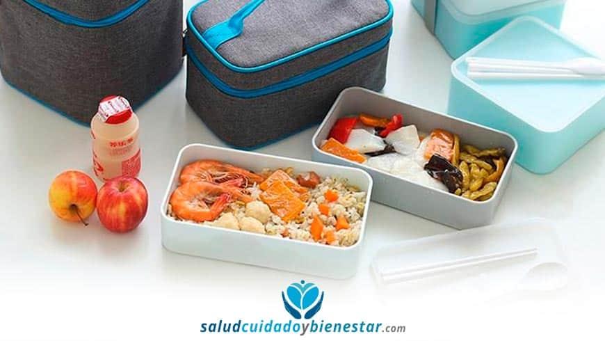 Cómo mantener bien conservados tus alimentos mientras viajas para evitar riesgos