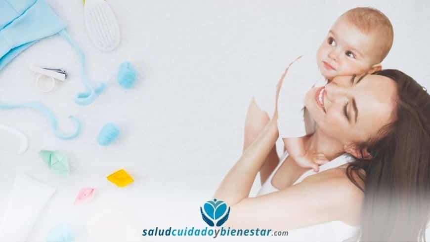 Productos esenciales de higiene y farmacia en una Canastilla de Bebé