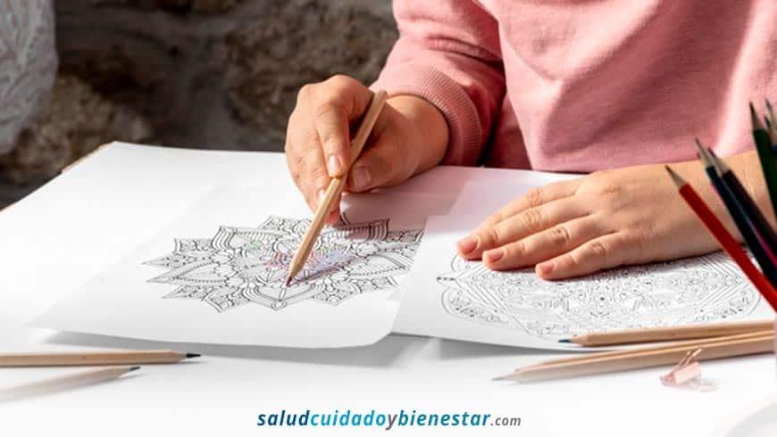Cuáles son los beneficios de pintar y colorear mandalas